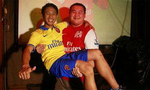 'Running man' cười toe giao lưu với fan Arsenal Trung Quốc