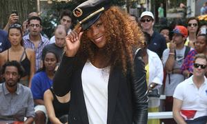 Serena Williams làm nữ phi công nhí nhảnh