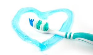 Răng trắng, hơi thở thơm mát với kem tự chế