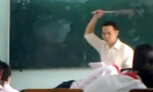 Thầy giáo đánh học sinh rách mắt