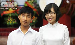 Thủ khoa Nguyễn Hữu Tiến bảnh bao đi khai giảng