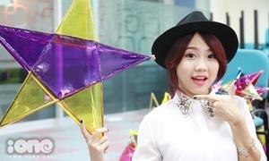 Miss Teen Thu Trang làm lồng đèn tặng trẻ nghèo