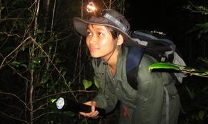 Cô nàng 9x băng rừng nghiên cứu động vật hoang dã