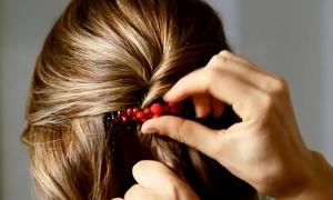 Video: 5 kiểu tóc nhẹ nhàng với lược cài
