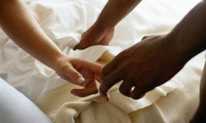 Dùng tay để thỏa mãn có ảnh hưởng gì sau này không?
