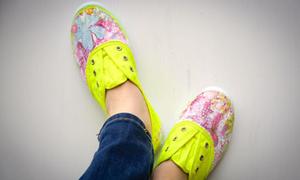 Giày vải hoa rực rỡ nắng thu