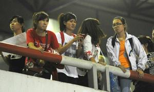 Fan Việt bật khócvì không đón đượcJYJ