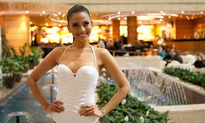 Trương Thị May khoe body với bikini một mảnh