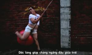 'Trái bi to', MV hài hước nhái hit Miley Cyrus