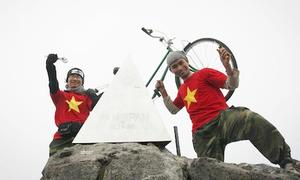 Phượt thủ tranh luận việc dựng cáp treo lên đỉnh Fansipan
