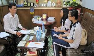 Teen Trần Đại Nghĩa 'chất vấn' thầy Hiệu trưởng