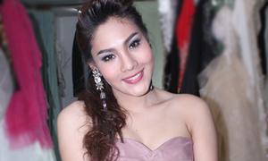 Ca sĩ chuyển giới Thái hát giọng nam - nữ siêu độc