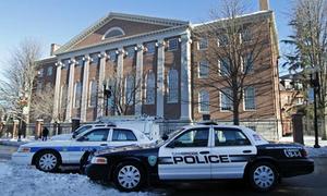 Sinh viên Đại học Harvard dừng thi vì bị dọa bom