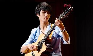 Thần đồng guitar xứ Hàn vào top Billboard 2013