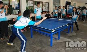 Teen girl Năng khiếu đọ vợt bóng bàn cực sung