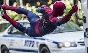 'The Amazing Spider-man 2' tung poster quốc tế đỏ chót