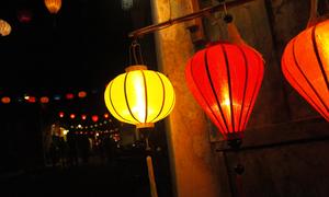 Phố cổ Hội An lung linh đèn lồng chào năm mới