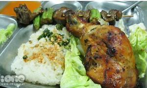 Điểm danh 4 tiệm xôi gà Sài Gòn ngon tuyệt hảo