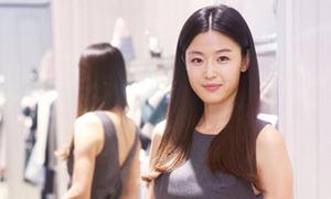 Gu thời trang sang trọng của Jun Ji Hyun