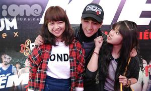 Chibi Hoàng Yến bắt nạt hot boy