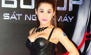 Hot or not: Lâm Chi Khanh mặc hở lộ dáng mất cân đối
