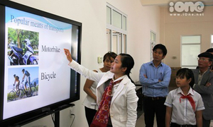 Teen Huế học bằng tablet, tivi thông minh miễn phí