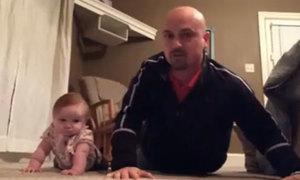 Video hài: Hai bố con tập thể dục siêu hài