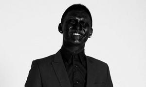 Facebook sao 15/3: Cường Seven 'nhuộm' da đen bóng