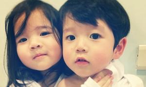 Cặp song sinh khác giới xứ Đài siêu dễ thương