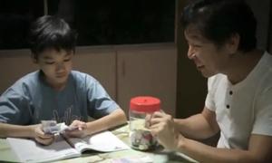 Rớt nước mắt với phim ngắn 'Món quà của người cha'