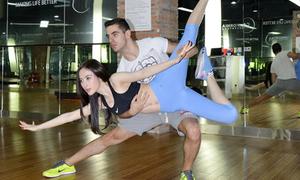Angela Phương Trinh miệt mài tập nhảy với trai Tây