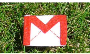 Gmail mừng sinh nhật tuổi thứ 10 vào ngày Cá tháng tư