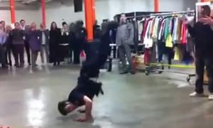 Video: 'Cảnh sát New York' đọ nhảy đường phố