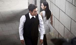 Clip: T.O.P, Sohee tái hợp chụp hình thời trang