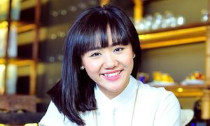 Văn Mai Hương chia sẻ về ý nghĩa nụ cười