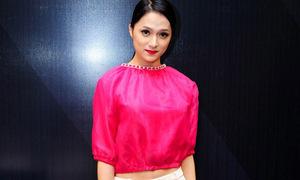Hot or not: Crop top hồng chóe của Hương Giang Idol