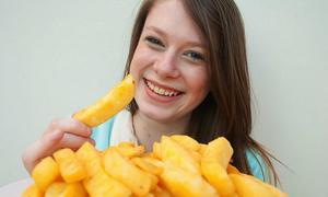 Cô gái chỉ ăn khoai tây chiên để sống suốt 15 năm
