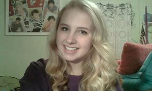 Nữ sinh xinh xắn đăng video từ biệt trước khi tự tử