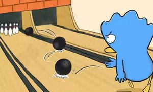 Fun pic: Cách ngắm chuẩn mục tiêu khi chơi bowling