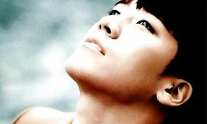 Sao Hàn 25/4: Seung Ri (Big Bang) đượm buồn mơ màng