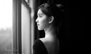 'Cô bé trà sữa' đẹp thanh thoát trong bộ ảnh trắng - đen