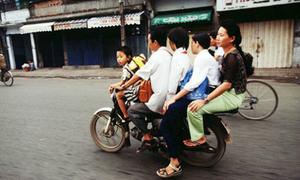 Xe máy thồ Việt qua ống kính của nhiếp ảnh gia Hà Lan
