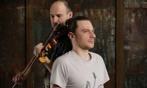 Video chơi đàn violin bằng tóc siêu độc