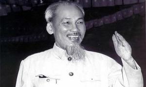 Giới trẻ xúc động đăng ảnh kỷ niệm sinh nhật Hồ Chủ tịch