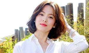 Song Hye Kyo mặc đồ công sở tới dự Cannes