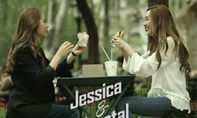Jessica, Krystal nói về chuyện không thể cười nhiều