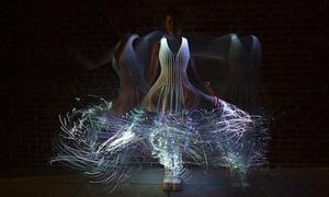 Tinh nghịch váy Led lấp lánh trong đêm