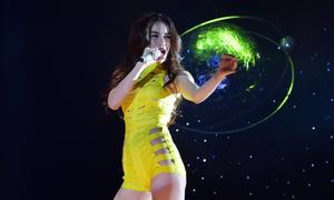 Khán giả chưng hửng vì Hà Hồ kết show không múa cột