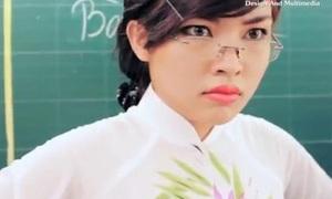 Học sinh bàn đầu - bàn cuối trong mắt thầy cô
