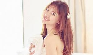 Facebook sao 30/6: Hari Won khoe lưng trần sexy